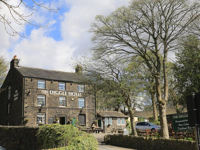 Diggle Hotel