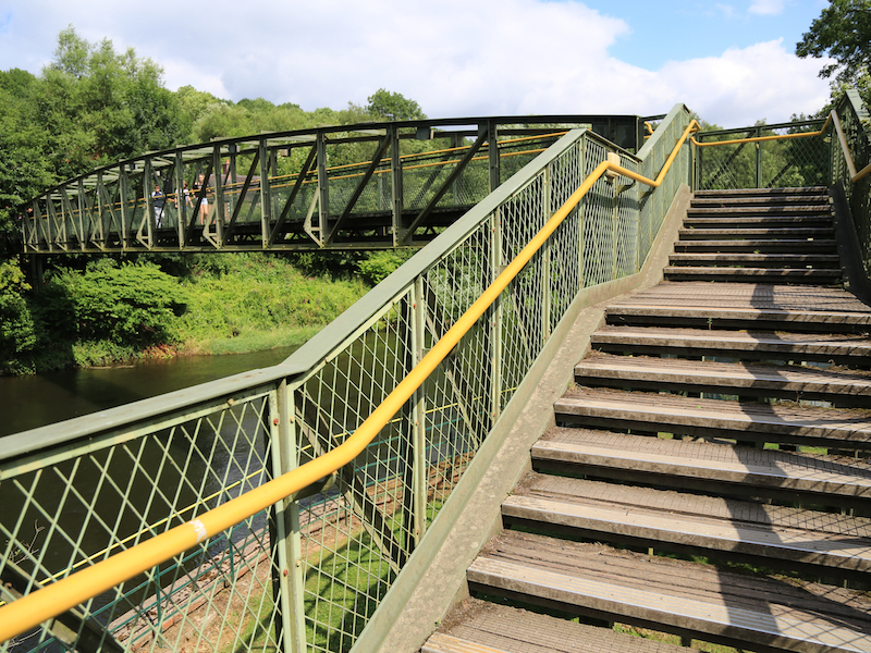 Memorial Footbridge