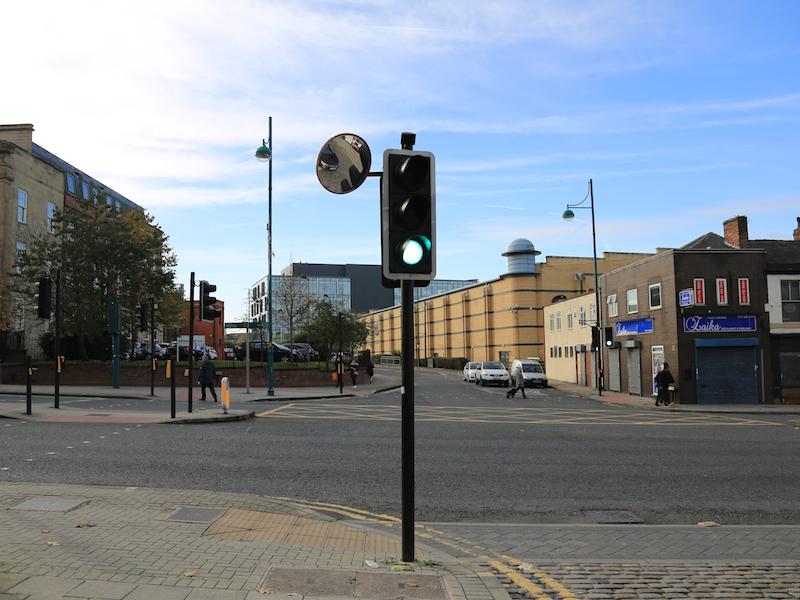 Cross Wellington Road