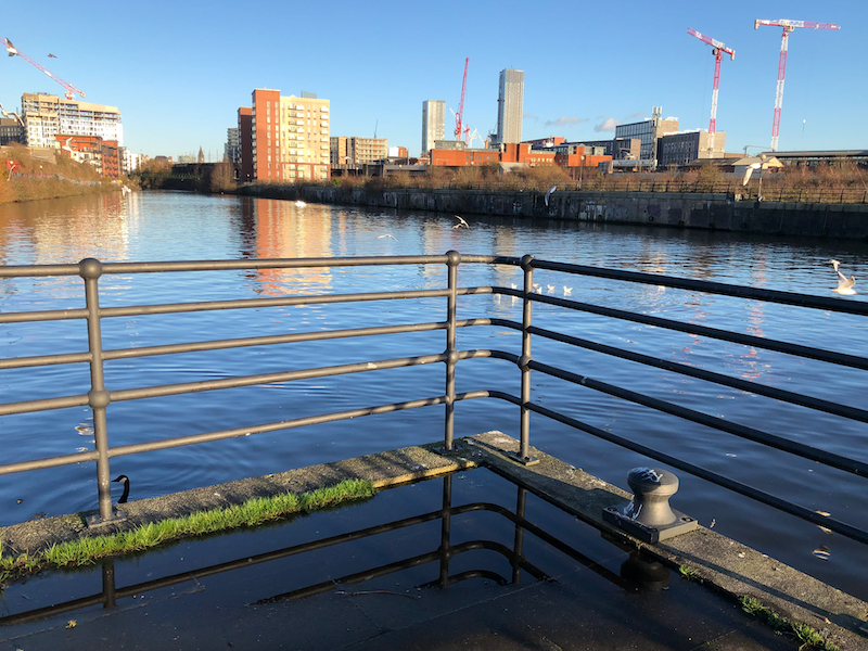 Upriver towards Manchester Centre