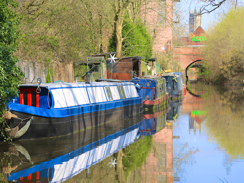 Along Huddersfield Canal